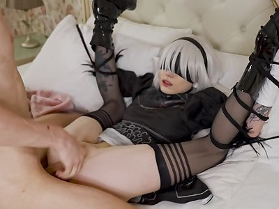 Nier Automata 2B gets too horny when tied up and pussy fucked. Short video. Karneli Bandi
